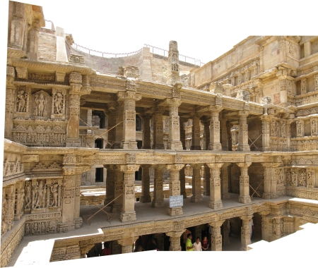 Rani_ki_vav_second_tier